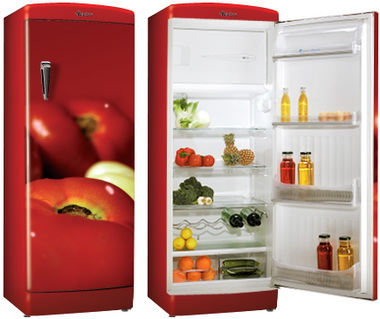 Аккуратный холодильник.
