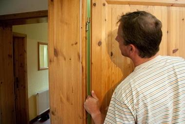 Ремонт двери.