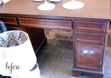 Старый стол можно покрасить.