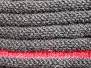 Варежки поперечного вязания на спицах.
